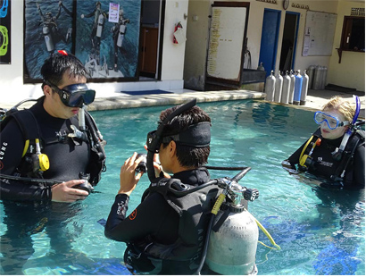5 top things employers look for when hiring Dive Instructors! Teaching Diving