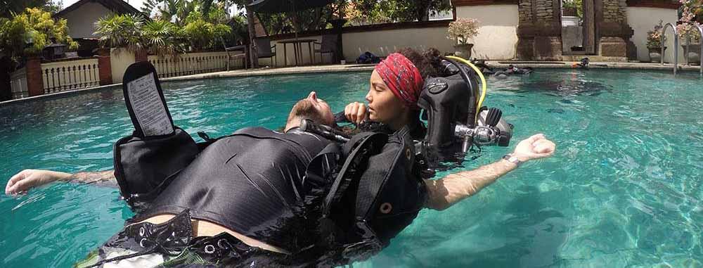 PADI IDC Confined Water Presentation Rescue