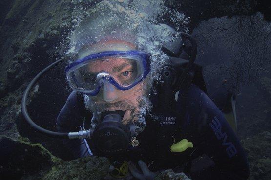 under water selfie