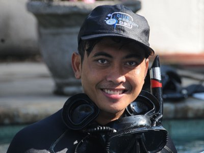 instructor before dive