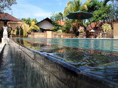 dive-center-facilities-pool