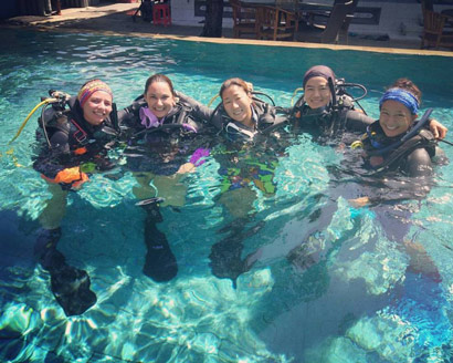 PADI Instructor At Pool with Course director